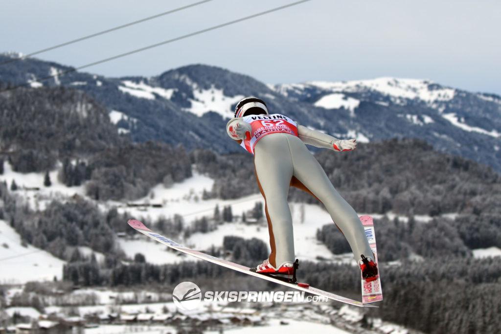 Skispringer im Flug