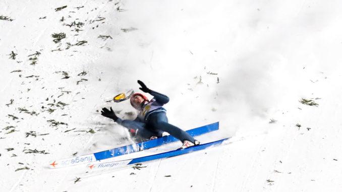 Schwerer Sturz Von David Siegel In Zakopane Skispringencom